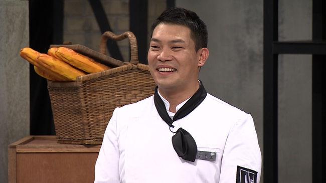 El Chef Lee Chan Oh se ve envuelto en una controversia por una posible infidelidad, su esposa responde