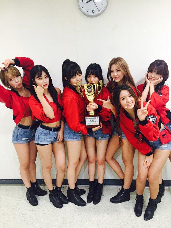 """AOA obtiene segunda victoria con """"Good Luck"""" en """"Show Champion"""" – Presentaciones de SEVENTEEN, MONSTA X y más"""