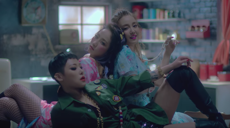 "Younha con la colaboración de HA:TFELT y Cheetah lanza video musical para ""Get It?"""