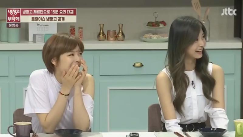 Tzuyu y Jungyeon de TWICE revelan el contenido de su refrigerador y accidentalmente traicionan a una integrante que no estaba presente