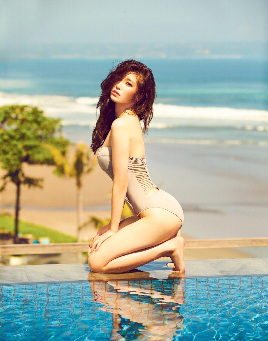 Hyosung de SECRET muestra su lado sexy para la revista Cosmopolitan