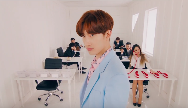 "Zhoumi revela video teaser para ""What's Your Number"""