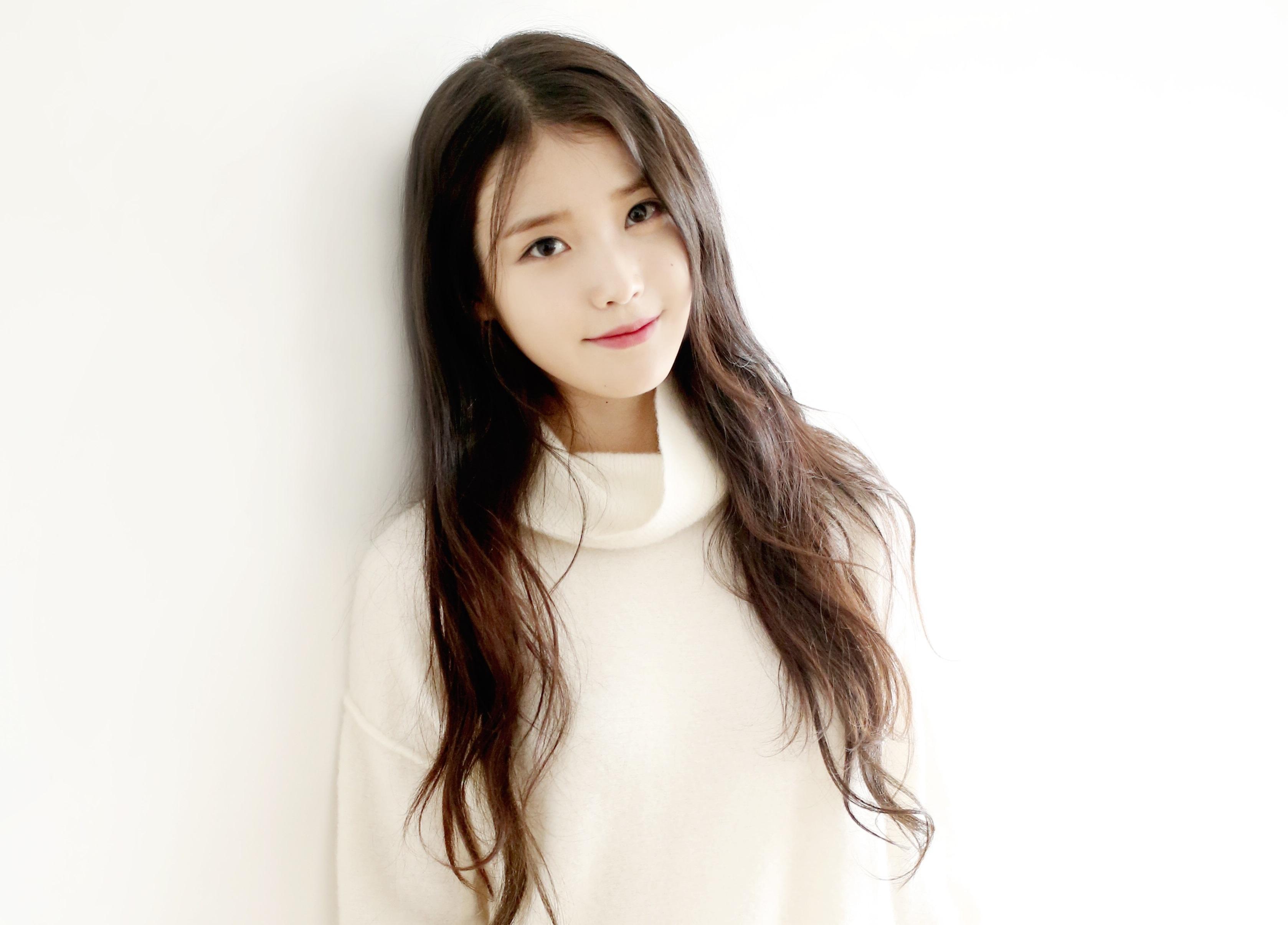 """IU canta a sus fans la versión china de la banda sonora de """"Scarlet Heart: Goryeo"""""""
