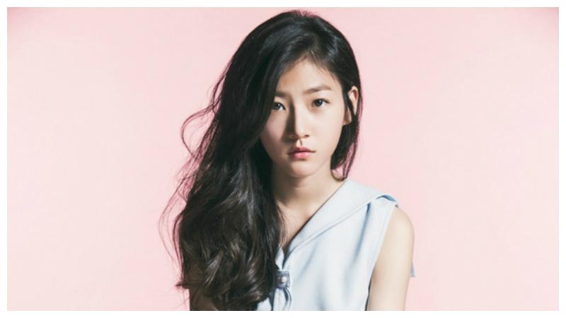 "Kim Sae Ron niega responsabilidad por la fallida ""apariencia de novio"" de Yoon Shi Yoon"