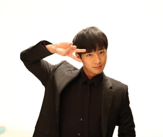 """Lee Sang Yeob es la siguiente estrella que realizará un cameo en """"Doctors"""""""