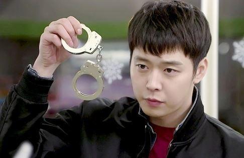 Primera demandante de Park Yoochun y su prima son arrestadas