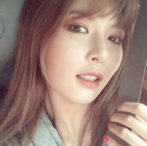 HyunA continúa con su promesa de comer con sus fans por conseguir el número uno en Inkigayo