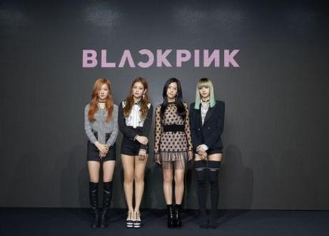 BLACKPINK se convierte en el primer grupo femenino de K-Pop que encabeza las listas billboard con canciones de debut