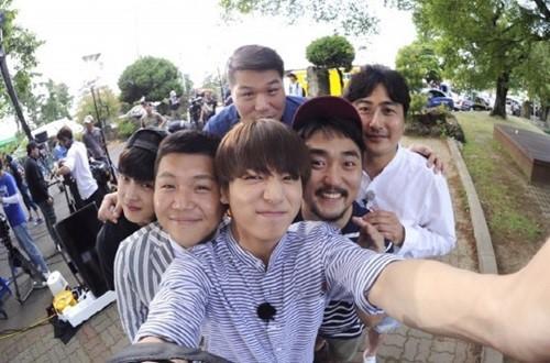 """El primer programa de variedades de YG será """"Flower Crew"""""""