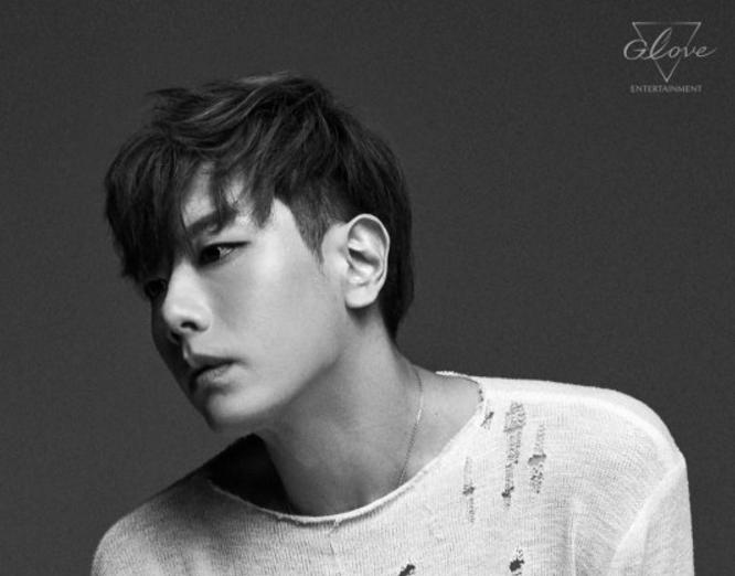 El rey de las baladas Park Hyo Shin vuelve con una nueva agencia