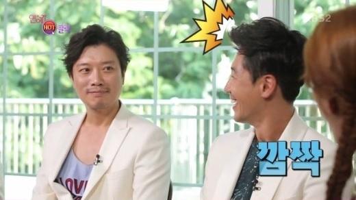 ¿Los compañeros de elenco de Shin Ha Kyun dieron pistas sobre su relación con Kim Go Eun?