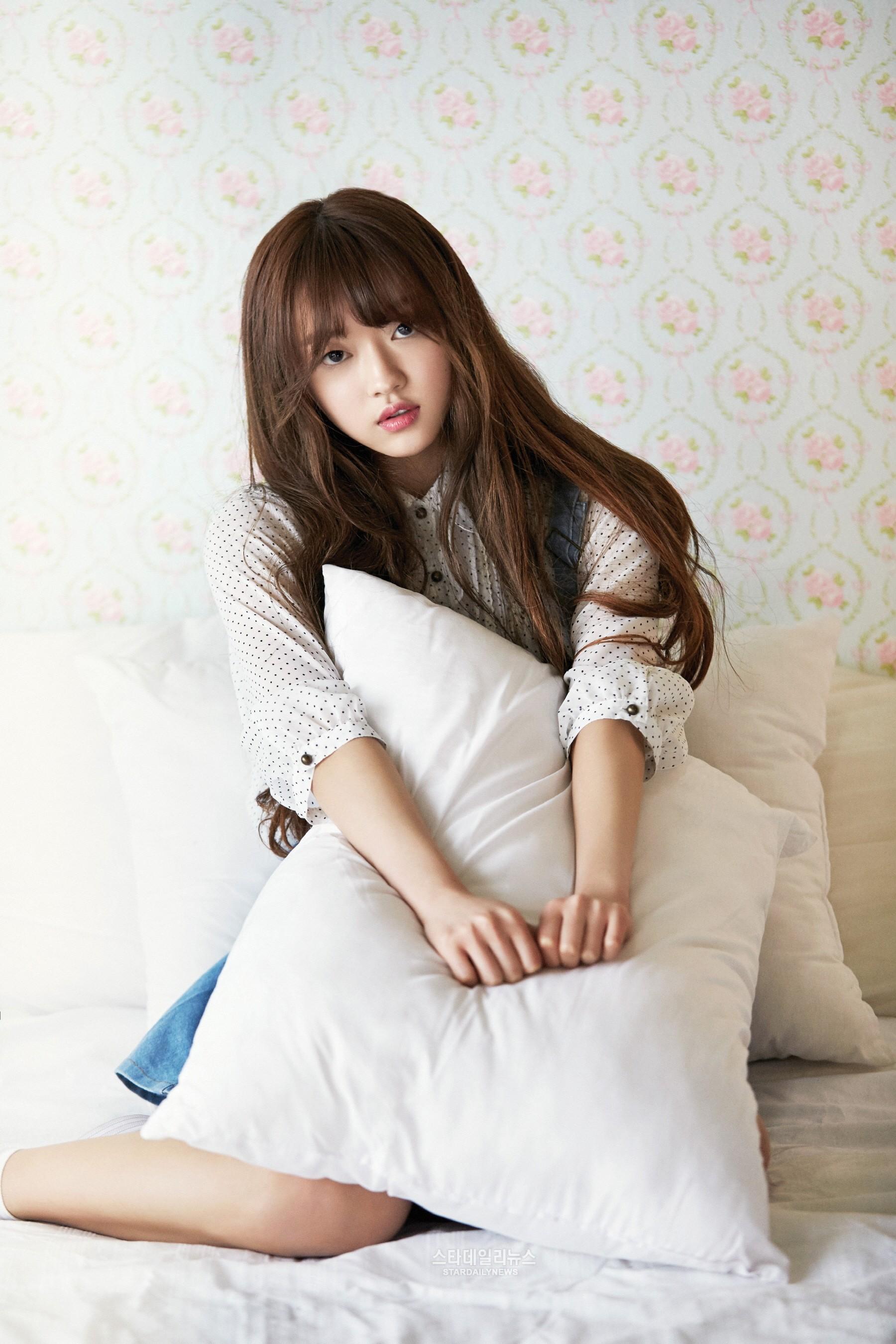 La agencia de Oh My Girl responde a la controversia sobre la escolarización de YooA