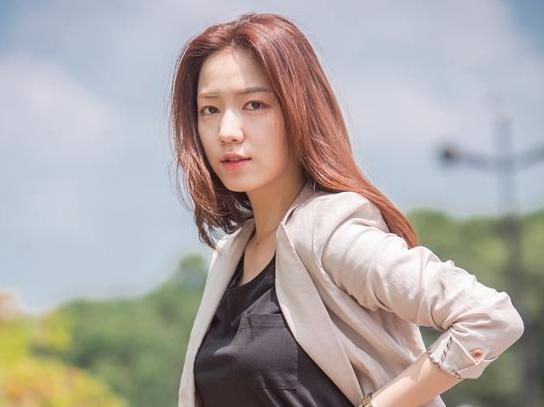 Ryu Hwa Young aterriza en su primer papel protagonista