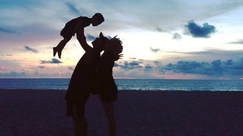 Haha y Byul revelan impresionante foto de sus vacaciones familiares junto a su hijo