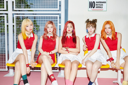 "Red Velvet lanza el video musical de ""Russian Roulette"""
