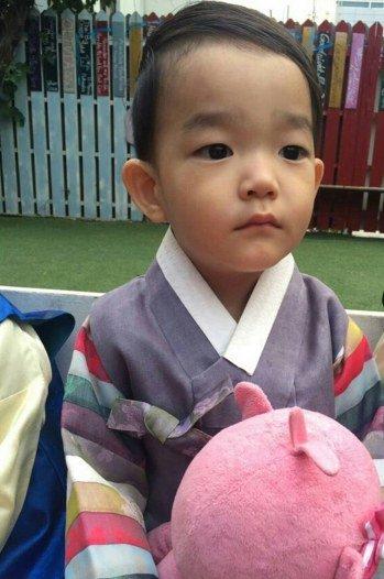 Da Eul está listo para las festividades de Chuseok con el hanbok más adorable