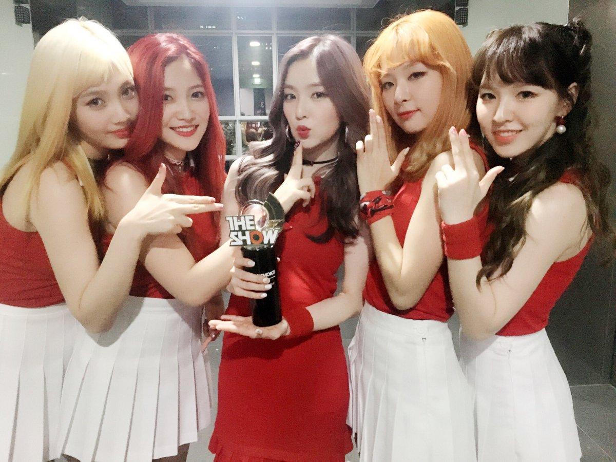 """Red Velvet se lleva su 1era victoria con """"Russian Roulette"""" en """"The Show""""; presentaciones de NCT DREAM, DIA y más"""
