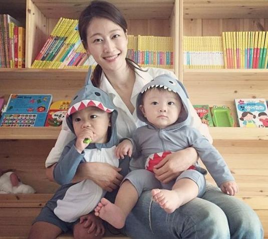 La modelo Lee Hyun Yi compara a su hijo con Daebak, hijo de Lee Dong Gook
