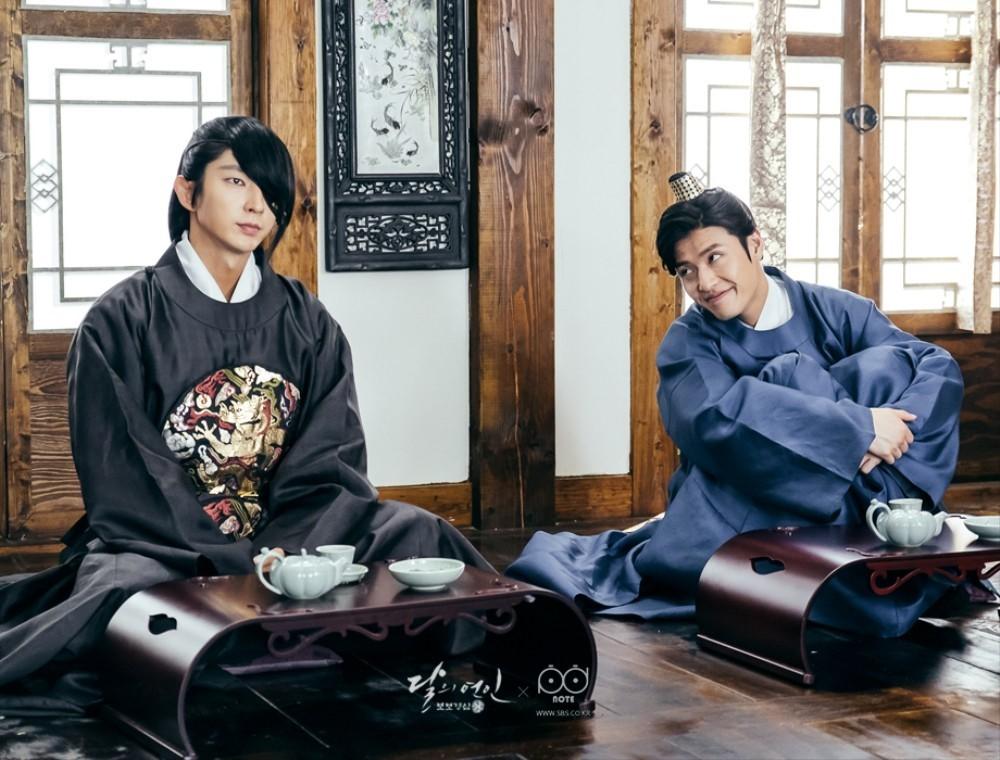 """Kang Ha Neul comparte una linda historia sobre su amistad con Lee Joon Gi antes de """"Scarlet Heart: Goryeo"""""""