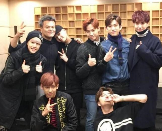 Park Jin Young muestra su amor y apoyo por GOT7 como el fan número uno