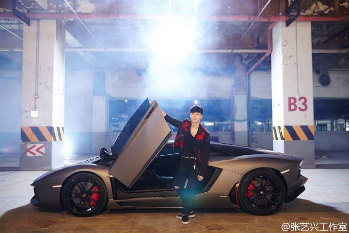 """Lay de EXO se une al club del millón de vistas en menos de 24 horas desde el lanzamiento de """"What U Need"""""""