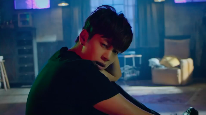 "Se7en libera MV teaser para su regreso con ""Give It To Me"""