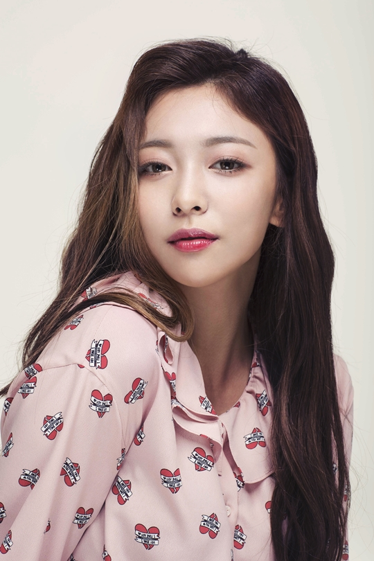 Luna de f(x) habla sobre compañeros idols que son actores de musicales como Chen de EXO y Sunggyu y Dongwoo de INFINITE