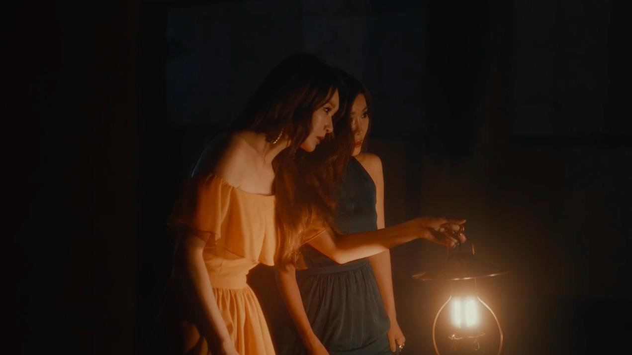 """Davichi regresa con un video musical apasionado para la balada de """"Beside Me"""""""