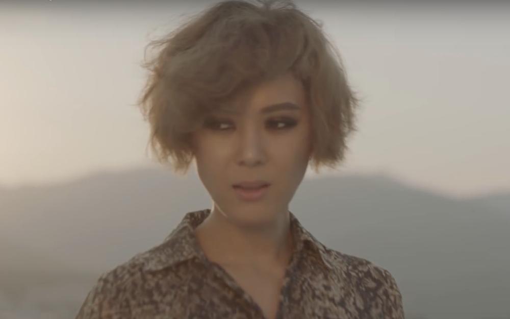 """Far East Movement y Yoon Mi Rae alientan e inspiran con el MV para """"Fighter"""""""