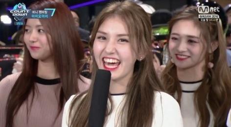 Jeon Somi de I.O.I elige entre canciones de Park Jin Young y Jinyoung de B1A4