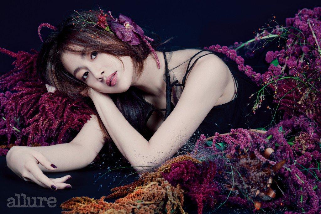 Kang Sora es una diosa floral para Allure