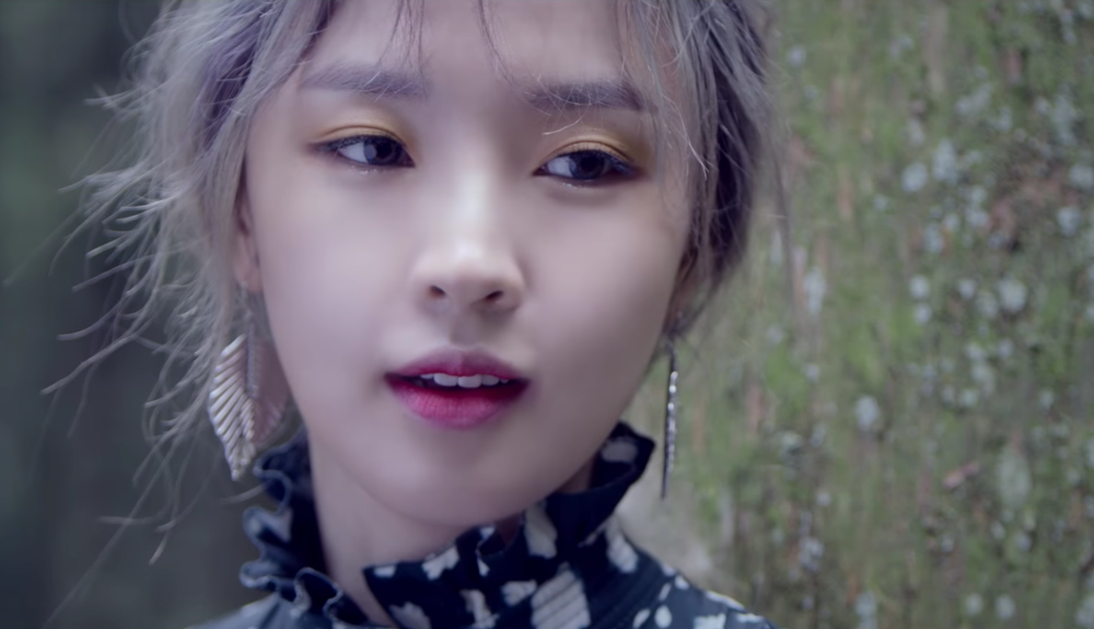 "Jeon Jiyoon hace su debut como solista como Jenyer con hermoso video musical para ""I Do"""