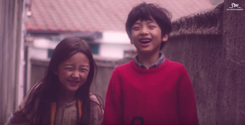 Los niños modelos de SM, Kim Ha Eun y Kim Do Hyun, son muy adorables en nuevo vídeo musical para SM STATION