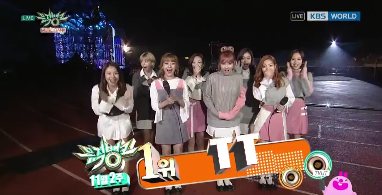 "TWICE consigue su séptima victoria con ""TT"" en ""Music Bank"""