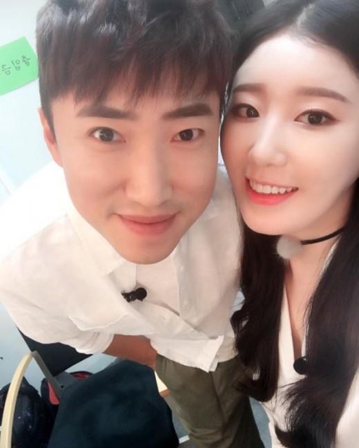 Jang Dong Min y Navi terminan su relación de 2 años