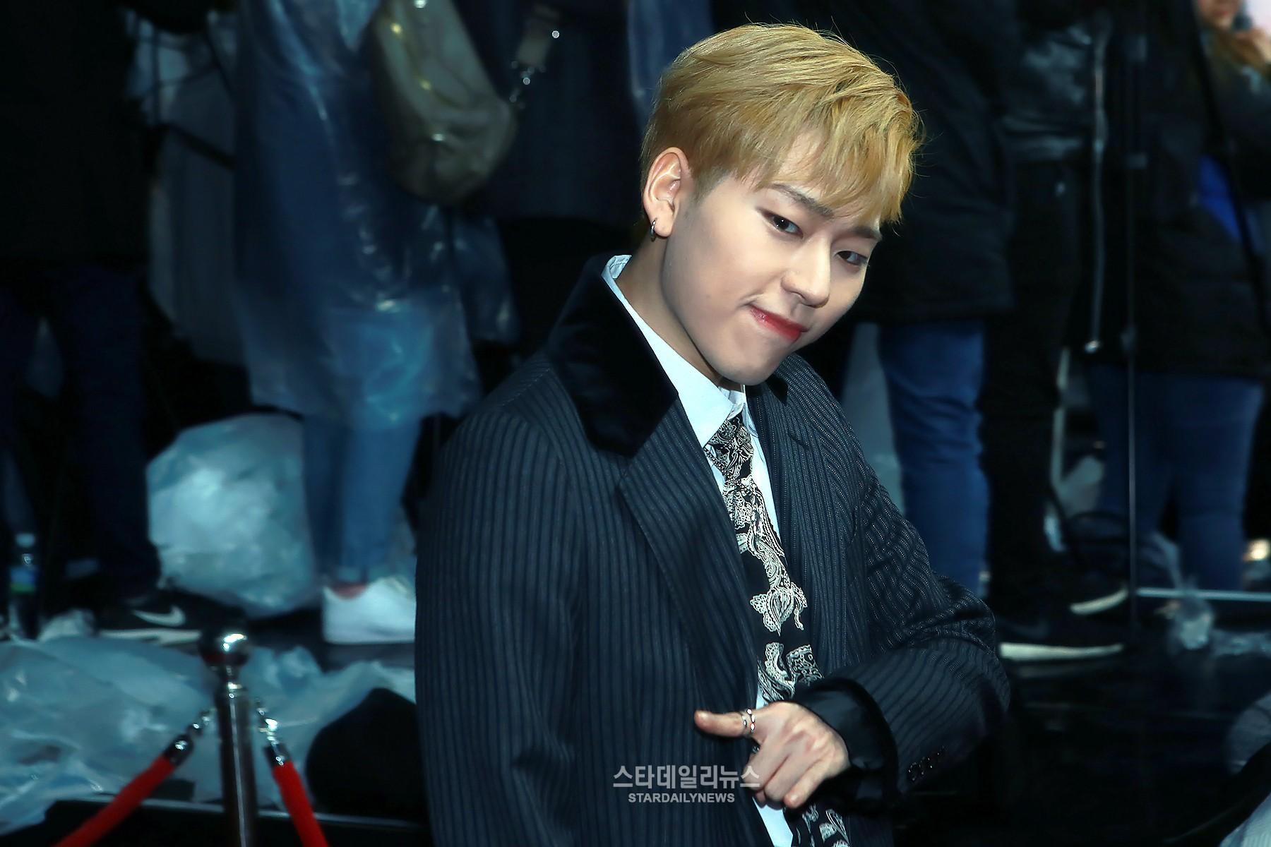 Las estrellas del K-Pop caminan por la alfombra roja de los 2016 Melon Music Awards