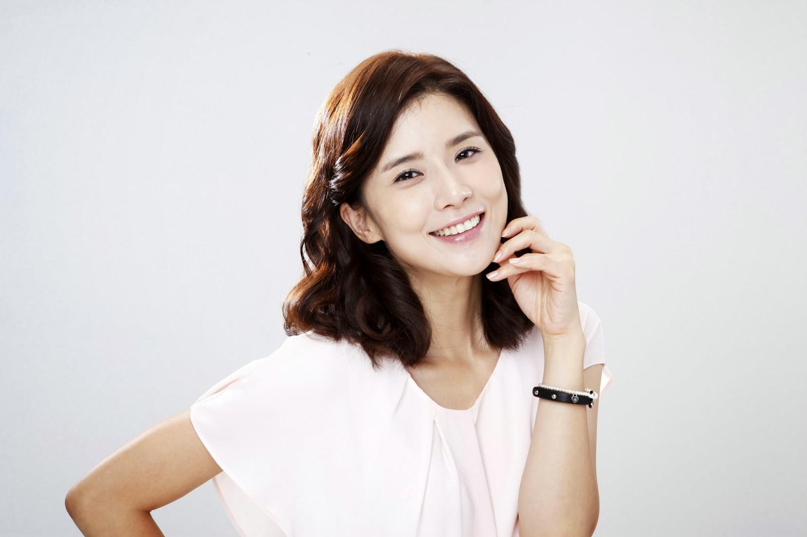 Lee Bo Young acaba con su hiatus de 3 años con un nuevo drama
