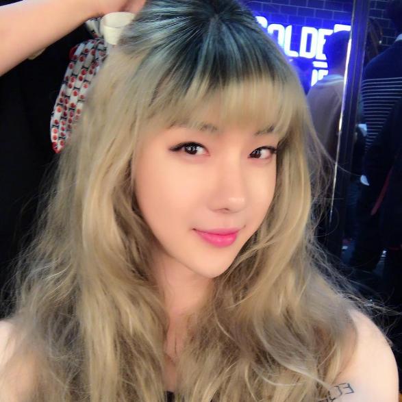 Jo Kwon se transforma de manera perfecta en una integrante de SISTAR