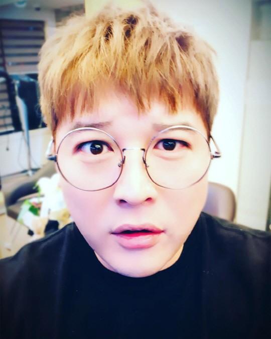 Shindong de Super Junior comparte su primera foto en Instagram luego dejar el servicio militar