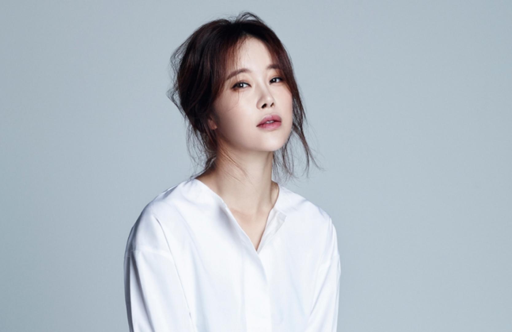 Baek Ji Young escoge los 2016 MBC Entertainment Awards como primer evento tras la noticia de su embarazo