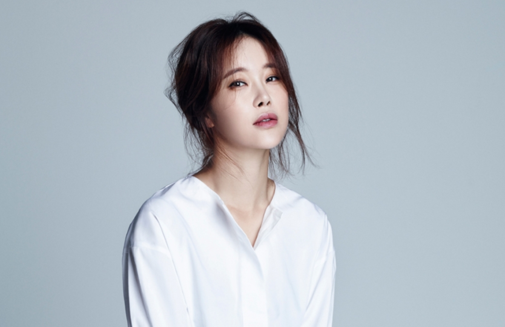 Baek Ji Young escoge los 2016 MBC Entertainment Awards como primer evento tras la noticia de su embarazo