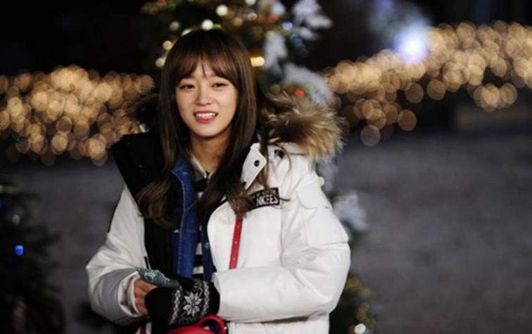 Kim Sejeong de gugudan revela cuando dio su primer beso