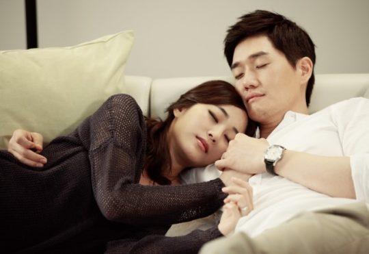 El hijo de Kim Hyo Jin y Yoo Ji Tae es un doble adorable