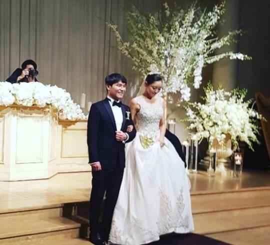 Lim Chang Jung es un esposo feliz en nueva foto de su boda