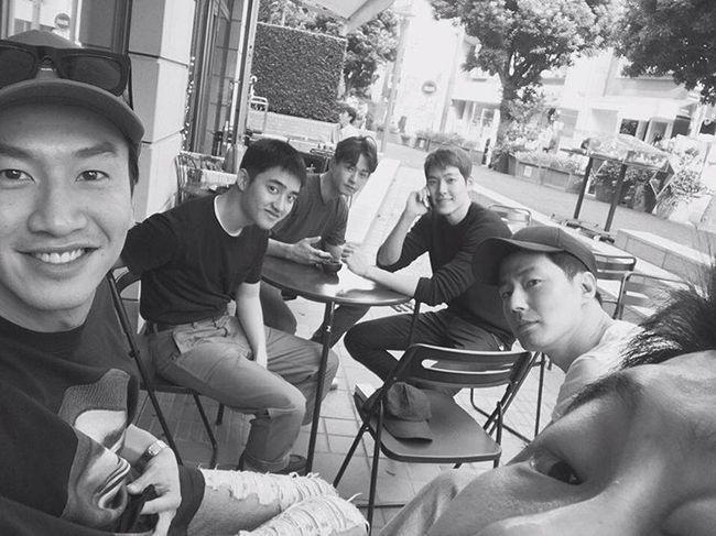 Lee Kwang Soo, D.O. de EXO, Kim Woo Bin y más se reúnen para apoyar la nueva película de Jo In Sung
