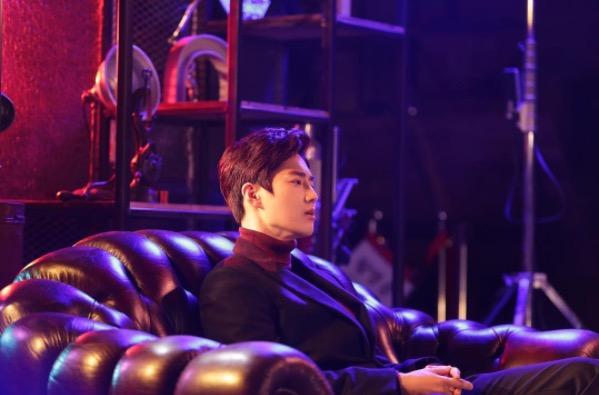 """Suho de EXO colabora con Song Young Joo para la canción de SM STATION """"Curtain"""""""