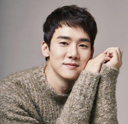 """Yoo Yeon Seok dice que espera trabajar con el elenco de """"Romantic Doctor Kim"""" otra vez"""