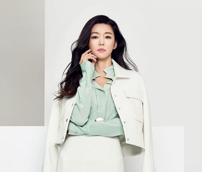 """Jun Ji Hyun es elegante y moderna en nueva sesión fotográfica para la marca """"MICHAA"""""""