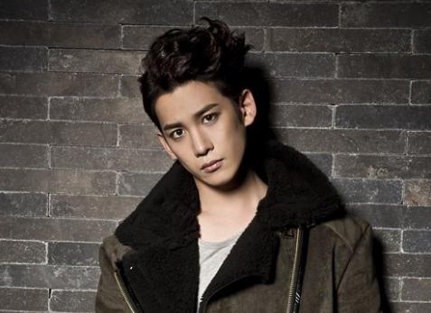 """El actor Park Ki Woong considerando el personaje de Baek In Ho para la película de """"Cheese In The Trap"""""""
