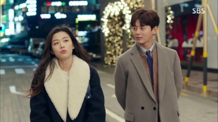 """Lee Ji Hoon revela que tuvo una gran posibilidad de tener en un triángulo amoroso en """"The Legend Of The Blue Sea"""""""